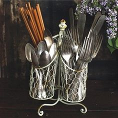 Beautiful Wire Silverware Caddy 1