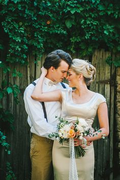Champagne and Peach Wedding Style | Nhiya Kaye Photography | Minimalist Elegance with Country Chic Details