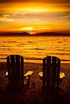 images of sunsets with chairs | Kincardine Sunset With Beach Chairs