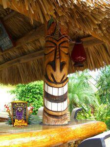 Our Portfolio - Big Kahuna Tiki Huts Tropical Backyard, Backyard Bar, Arte Bar, Tiki Man, Tiki Tiki, Diy Deco Rangement, Outdoor Tiki Bar, Tiki Faces, Tiki Statues