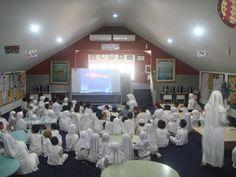 Perpustakaan Bunga Bangsa ƸӜƷ: Nonton Bareng Siswa Kelas 1 dalam Memperingati Isr...