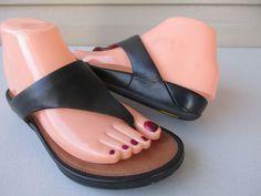 563b873f6337ea FitFlop Banda Black Leather Thong Sandals Women Size 7  FitFlop   Thongsandals Fitflop