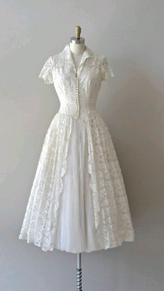 1950s ivory lace and tulle short collared wedding dress #myfairlady #getmetothechurch #fifties