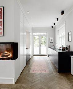 View the full picture gallery of Private Home In Denmark Modern Kitchen Design, Interior Design Kitchen, Interior Decorating, Minimalist House Design, Minimalist Home, Arch Interior, Interior Architecture, Küchen Design, Design Ideas