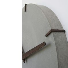 Concrete Clock 2515 gr Gestaltung - New Ideas Concrete Crafts, Concrete Art, Concrete Design, Polished Concrete, Home Clock, Diy Clock, Clock Decor, Animal Crossing Qr, Silver Wall Clock