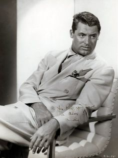 Cary Grant, 1940s...stunning...that suit is grand!