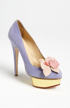 Lavender platform stiletto pump with pastel pink flower. Awesomely romantic.