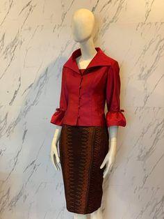 Blouse Batik, Batik Dress, Traditional Dresses, Fashion Dresses, Silk, Outfits, Design, Formal Suits, Pretty Clothes