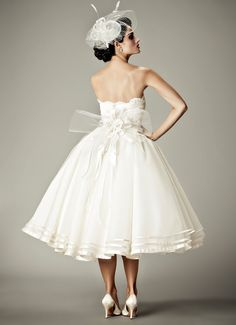 ARABESQUE - Wedding Gown / 2012 Collection - by Matthew Christopher - Available colours : White & Off White (back)