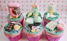 Baking cupcake toppers
