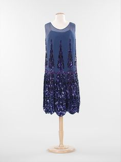 Anne & Thérèse (French). Evening dress, ca. 1925. The Metropolitan Museum of Art, New York. Brooklyn Museum Costume Collection at The Metropolitan Museum of Art, Gift of the Brooklyn Museum, 2009; Gift of Mrs. Robert G. Olmsted and Constable MacCracken, 1969 (2009.300.1351) #halloween #costume