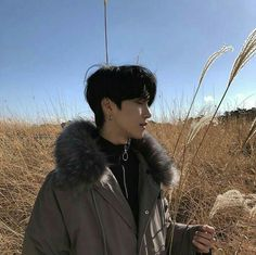 ulzzang 얼짱 boy cute kawaii adorable korean pretty beautiful hot fit japanese asian soft aesthetic 男 男の子 g e o r g i a n a : 人 Cute Asian Guys, Cute Korean Boys, Asian Boys, Asian Men, Hot Korean Guys, Korean Boys Ulzzang, Ulzzang Boy, Korean Men, Beautiful Boys
