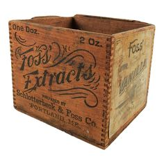 Vintage Decor Ideas Americana Wood Vanilla Box - Antique dove tailed wood box for Foss' Vanilla. Original paper labels and painted sides. Wear to top edges, overall wear and patina. Vintage Crates, Vintage Box, Vintage Decor, Old Wooden Boxes, Wood Boxes, Wood Box Decor, Americana Home Decor, Wire Crate, How To Antique Wood