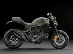 Ducati Monster Diesel, la naked 'urban military chic'...this is the one I want!!!!
