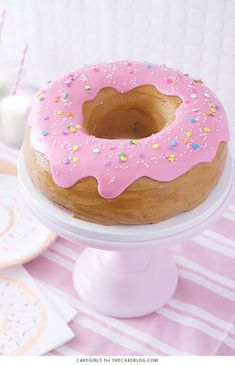 Learn how to make this adorable, sprinkle-coated, giant donut cake with a simple step-by-step tutorial. Donut Birthday Parties, Donut Party, Cupcake Birthday, Birthday Kids, Donut Recipes, Cake Recipes, Giant Donut, Creative Birthday Cakes, Donut Decorations