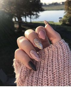 9 Trendy Fall Nails Art Designs Ideas To Look Autumnal and Charming – autumn nail art ideas , fall nail art, short nail art designs, autumn nail color… - New Pin Fall Nail Art Designs, Acrylic Nail Designs, Cute Acrylic Nails, Matte Nails, Acrylic Nails For Fall, Fake Gel Nails, Acrylic Art, Almond Nail Art, Fall Almond Nails