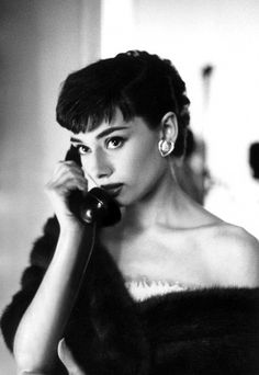 The Nifty Fifties — Audrey Hepburn on the phone at Paramount Studios,.-The Nifty Fifties — Audrey Hepburn on the phone at Paramount Studios,… The Nifty Fifties — Audrey Hepburn on the phone at… - Style Audrey Hepburn, Audrey Hepburn Photos, Katharine Hepburn, Audrey Hepburn Wallpaper, Audrey Hepburn Fashion, Audrey Hepburn Bangs, Young Audrey Hepburn, Audrey Hepburn Drawing, Marilyn Monroe And Audrey Hepburn