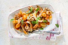 Kijk wat een lekker recept ik heb gevonden op Allerhande! Gnocchi met walnoten, witlof & basilicum
