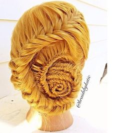 We have an obsession with fishtail braids, but don't let yours be ordinary! Check out these fishtail braids we are drooling over. Creative Hairstyles, Fancy Hairstyles, Braided Hairstyles, Wedding Hairstyles, Fishtail Braid Buns, Braided Updo, Plaits, Cool Braids, Simple Braids