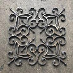 No photo description available. Wrought Iron Decor, Wrought Iron Gates, Iron Windows, Iron Doors, Window Grill Design, Door Gate Design, Faber, Steel Art, Iron Art