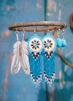 blue beaded earrings, Eagle Feather trading post, photo by Jo Lynne Harline Beaded Earrings Native, Beaded Earrings Patterns, Seed Bead Patterns, Jewelry Patterns, Beading Patterns, Jewelry Ideas, Seed Bead Jewelry, Seed Bead Earrings, Beaded Jewelry
