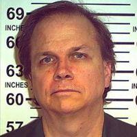 Mark Chapman, l'assassin de John Lennon, ne veut pas vraiment sortir de prison | Slate