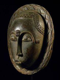 African Baule mask from Côte d'Ivoire (via African-art-shop)