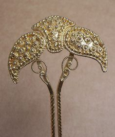 Vintage hair comb Indonesian Balinese gold tone