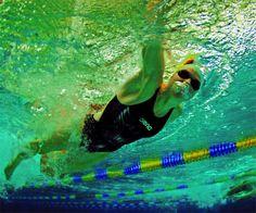 Schwimmerin im Schwimmbad. (Foto: DLRG)