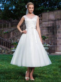 626d1339816d Brautkleider im gehobenen Preissegment   miss solution Bildergalerie -  Modell 3855 by SINCERITY Standesamtliche Hochzeit,