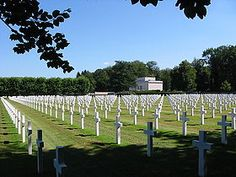 World War II Epinal American Cemetery and Memorial, Tombes de soldats américains.