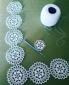 World crochet: Motive 198 Crochet Squares, Crochet Motif, Crochet Doilies, Easy Crochet, Crochet Flowers, Crochet Hooks, Crochet Stitches Patterns, Doily Patterns, Knitting Patterns
