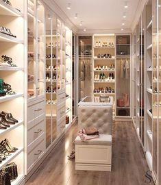 64 Ideas luxury closet design modern for 2019 Walk In Closet Design, Bedroom Closet Design, Master Bedroom Closet, Closet Designs, Bedroom Decor, Bedroom Wardrobe, Closet Rooms, Luxury Bedroom Design, Master Bedrooms