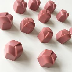 Tutorial on making ruby chocolate bonbons with various fillings. Chocolate Dreams, Chocolate Brands, Artisan Chocolate, Chocolate Molds, How To Make Chocolate, Chocolate Truffles, Homemade Chocolate, Chocolate Ganache, Chocolate Desserts