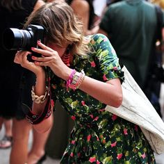 BLOGGER MOMENT #emmetrend #fashionblogger #streetstyle #streetchic #blogger #moment #camera #girl #fashionmoment #fashionista #moda