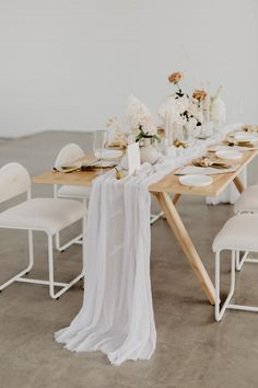 In Case You Haven't Been Convinced Yet, This Miami Wedding Inspiration will Make You Want to Decorat Decoration Table, Reception Decorations, Event Decor, Wedding Centerpieces, Diy Inspiration, Wedding Inspiration, Miami Wedding, Wedding Reception, Wedding Table Settings