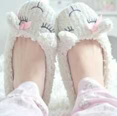 Imagem de cute, slippers, and sheep Corsets, Pajamas All Day, Comfy Pajamas, Pajamas Women, Fuzzy Slippers, Pajama Party, Getting Cozy, Ciabatta, Girly Girl