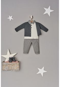 Foto Still, Laundry Room Wall Decor, Baby Smiles, Cut Image, Flatlay Styling, Clothing Photography, Baby Shop, Baby Photos, Baby Dress