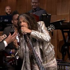 Check out Steven Tyler on Jimmy Fallen recording an audience members outgoing message! Lucky woman!