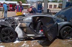 Siêu xe Lamborghini Gallardo 2013 phát nổ trong trạm xăng - http://xeoto.asia/sieu-xe-lamborghini-gallardo-2013-phat-no-trong-tram-xang.shtml