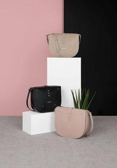 A rigid grained leather and some studs for a rock style. Discover one of our favorite bags for this new season, the crossbody bag Nao! #newcollection #fall #winter #fw17 #nao #crossbodybag #bags #pastel #pink #setdesign #lancaster #lancasterparis