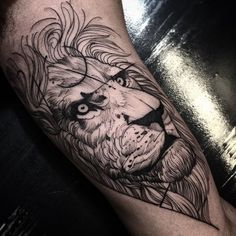If you enjoy some dark blackwork tattoos then Fredao Oliveira is an artist whose work you'll love!
