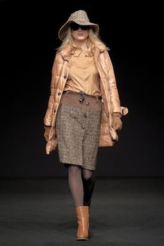 Henry Cotton's Marvellous Caramel Collection for women.  Visit us www.henrycottons.it , www.facebook.com/HenryCottons1978
