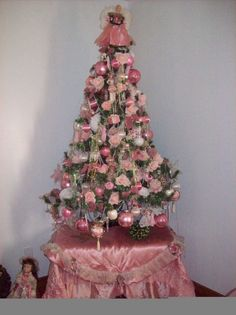 I grew up where all the decorations were in pale, pastel pink at Christmastime.