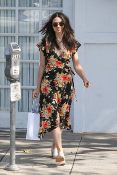 #CrystalReed, #Shopping Crystal Reed Looks Stylish - Shopping in LA – 04/12/2017 | Celebrity Uncensored! Read more: http://celxxx.com/2017/04/crystal-reed-looks-stylish-shopping-in-la-04122017/