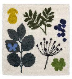 Retki rya designed by Dog Design Rya Rug, Wool Rug, Textiles, Fabric Rug, Rug Hooking, Dog Design, Petra, Fabric Patterns, Martini