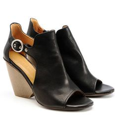 Coclico Nymph Black Wedge