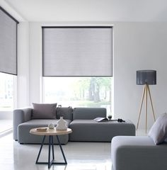 5 Creative Tips: Roller Blinds At Home outdoor blinds tips.Rolling Blinds For Windows outdoor blinds architecture. Living Room Blinds, Bedroom Blinds, House Blinds, Living Room Windows, Blinds And Curtains Living Room, Modern Window Treatments, Window Treatments Living Room, Patio Blinds, Outdoor Blinds