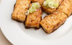 豆腐は凍らせると美味しくなるって知ってましたか?知らなかった人必見ですよ♪凍らせ豆腐のアレンジレシピのご紹介します!