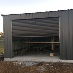 Basalt colorbond shed with monument roller doors Grey Exterior, House Paint Exterior, Exterior House Colors, Shed Colours, Roof Colors, Paint Colours, Colourbond Colours, Small Space Stairs, Garden Ideas Diy Cheap